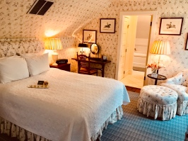 The beautiful Hayloft Suite