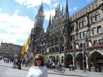 Happy in the Marienplatz