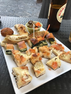 Free snacks with your drinks at Bar Cristina