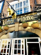 The Golden Fleece pub