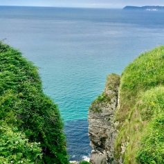 Hiking to the rope bridge