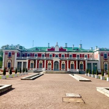 Dramatic and colorful Kadriorg Castle